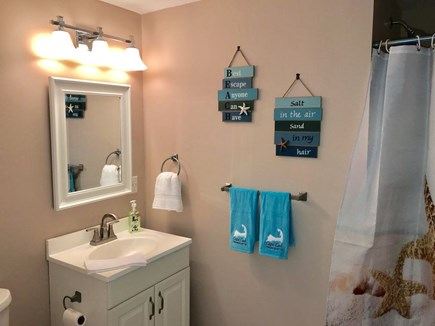 South Yarmouth Cape Cod vacation rental - ...and en suite bath