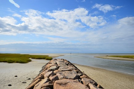Orleans Cape Cod vacation rental - 2/10 mile to the beach at Rock Harbor