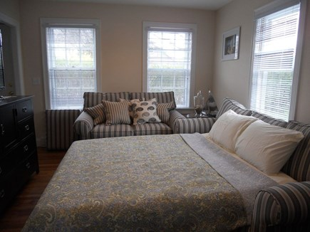 Hyannis Cape Cod vacation rental - Sofa pull out bed
