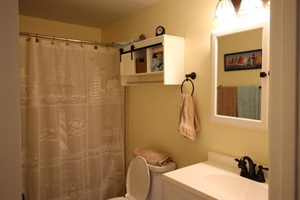 Truro Cape Cod vacation rental - 2nd Full Bathroom