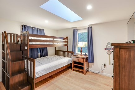 Chatham Cape Cod vacation rental - bunk beds located on 1st floor