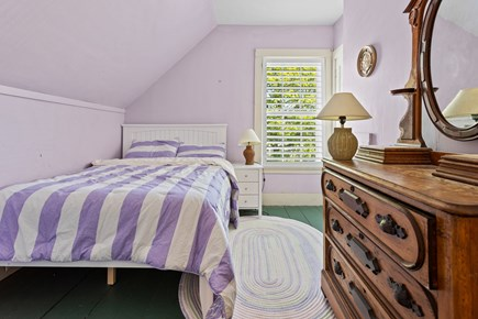 Harwichport Center Cape Cod vacation rental - Purple Room