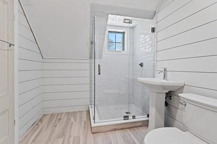 Harwichport Center Cape Cod vacation rental - New full Bath on 2nd fl
