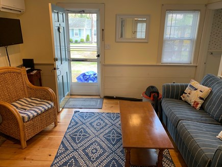 Dennis Port Cape Cod vacation rental - Comfortable seating for all.