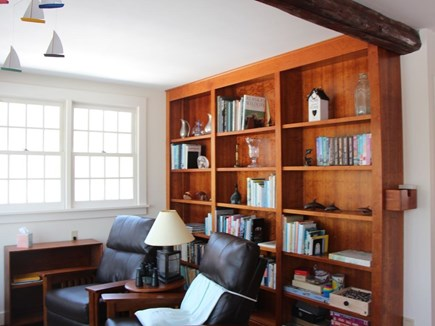Bourne, Pocasset Cape Cod vacation rental - Catch up on your reading in the cozy nook with fantastic vistas.