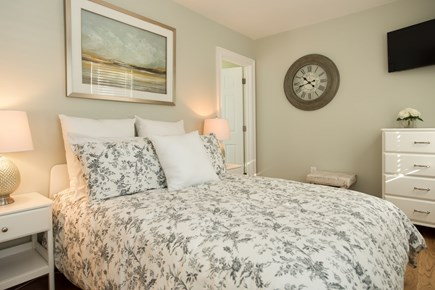 Dennis, Bass River Cape Cod vacation rental - First Floor Bedroom Suite with double bed & TV