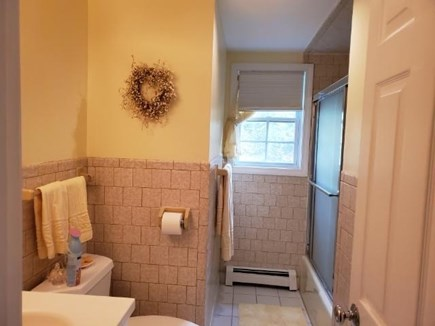 Mashpee, Popponesset Cape Cod vacation rental - Full bath