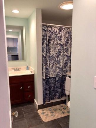Dennis Port Cape Cod vacation rental - Main Full Bathroom #1