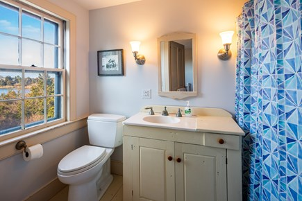 Orleans Cape Cod vacation rental - Twin room en suite with tub/shower combo