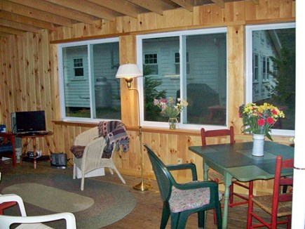 Brownies Cabins Wellfleet Cape Cod vacation rental - Living area
