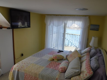 Harwich, Waterfront Quiet Cape Cod vacation rental - Master King overlooking water