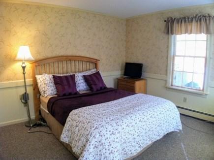 Harwich, Waterfront Quiet Cape Cod vacation rental - Downstairs Queen Bedroom