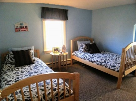 Harwich, Waterfront Quiet Cape Cod vacation rental - Upstairs Twins