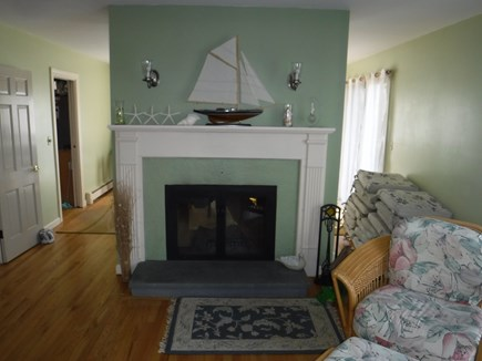 Harwich, Waterfront Quiet Cape Cod vacation rental - Living room & Double Sided Fireplace