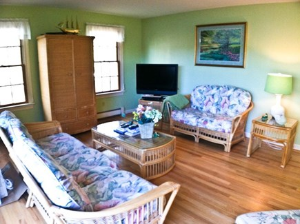 Harwich, Waterfront Quiet Cape Cod vacation rental - Living Room