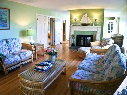 Harwich, Waterfront Quiet Cape Cod vacation rental - Living Room overlooking Water