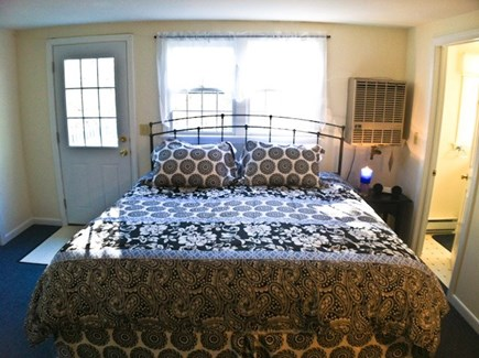 Harwich, Waterfront Quiet Cape Cod vacation rental - Inlaw suite with full bath