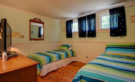 Hyannisport Cape Cod vacation rental - Two twin beds