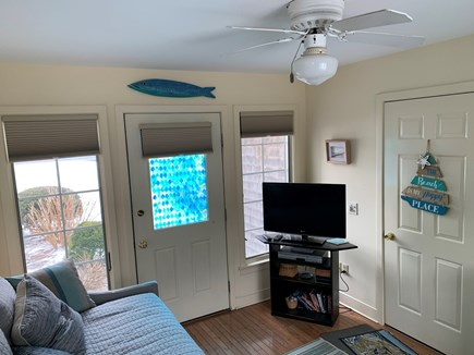 Chatham Cape Cod vacation rental - Den with trundle bed and cable tv.