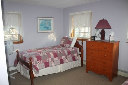 Eastham, 3961 - Thumpertown Cape Cod vacation rental - 2nd floor bedroom with twins