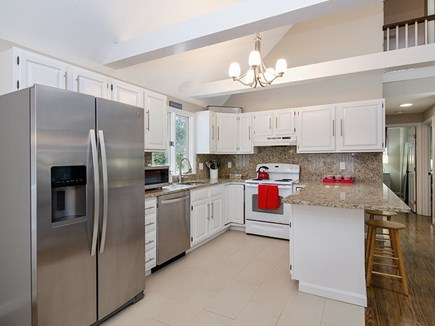 Eastham, 3962 - Coast Guard Beach Cape Cod vacation rental - Kitchen