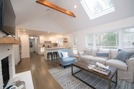 Cotuit Cotuit vacation rental - Spacious Kitchen / Family Room, Perfect for Entertaining
