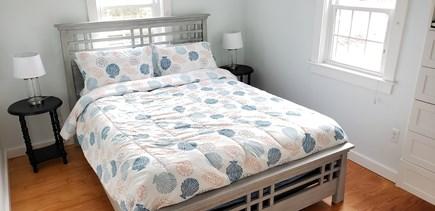 West Dennis (near West Dennis  Cape Cod vacation rental - Queen bedroom