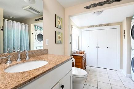 West Dennis (near West Dennis  Cape Cod vacation rental - Bath/Laundry