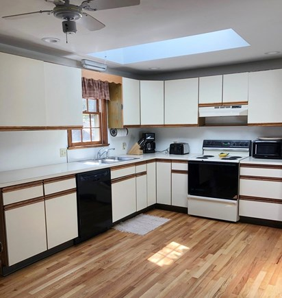 Dennis, Forest Pines Estates Close to  Cape Cod vacation rental - Large fully equipped kitchen