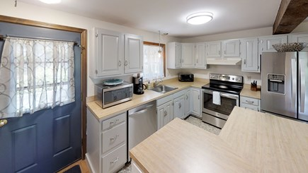 Wellfleet Cape Cod vacation rental - Roomy kitchen with island