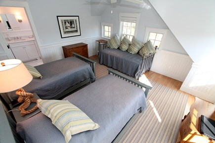 Chatham Cape Cod vacation rental - Twin Room: 4 twins-2 twin beds, daybed and trundle, ensuite bath