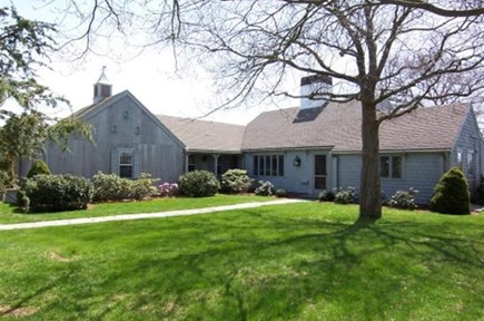Hyannis Cape Cod vacation rental - Royal Barry Wills designed one level home
