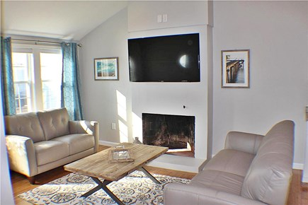 Yarmouth, Lewis Bay Cape Cod vacation rental - Bright, open living area