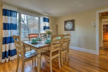 South Yarmouth Cape Cod vacation rental - Expandable dining table for eating or playing games