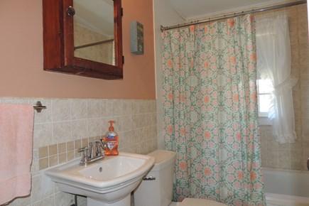 Harwich, Campground Cape Cod vacation rental - Full bathroom