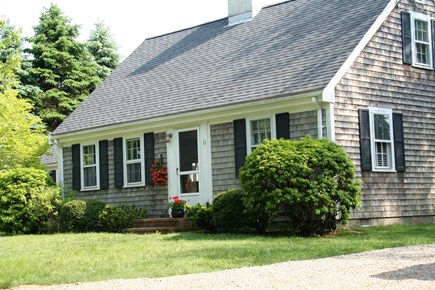 Quivet Neck, East Dennis Cape Cod vacation rental - Room to park 4+ cars in driveway