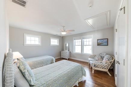 Mashpee, Popponesset Cape Cod vacation rental - 2 floor bedroom-2 twins