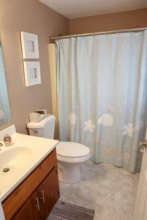 Chatham Cape Cod vacation rental - Master bath en suite