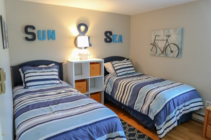Chatham Cape Cod vacation rental - Bedroom with twins.