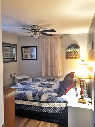 Sagamore Beach Sagamore Beach vacation rental - Lovely, cozy 3rd bedroom with brand new queen sized bed.