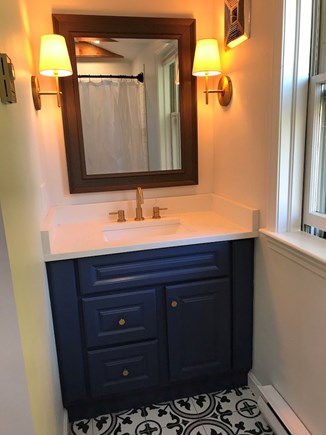Brewster  Cape Cod vacation rental - New 2nd floor bath.