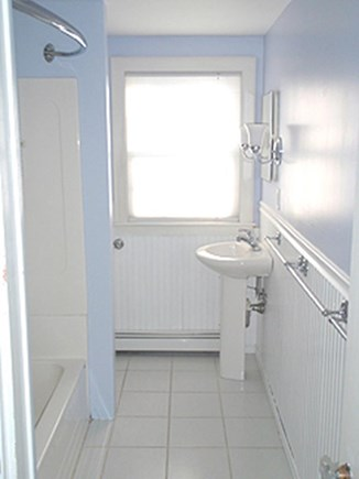 Harwich Cape Cod vacation rental - Full Bath