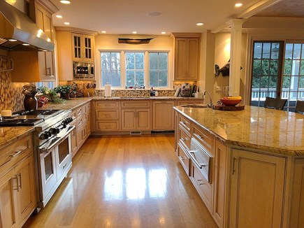 Chatham Cape Cod vacation rental - Large Kitchen With Center Island/ Breakfast Bar