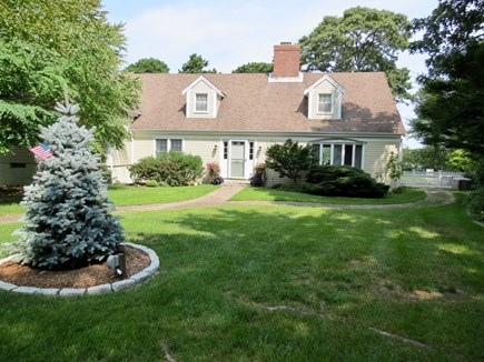 Orleans Cape Cod vacation rental - View of the house from the driveway