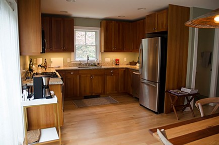 Provincetown Cape Cod vacation rental - Kitchen with granite counter tops