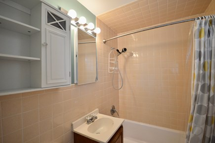 Truro Cape Cod vacation rental - Full bathroom with tub/shower combo