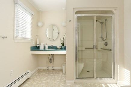 Chatham Cape Cod vacation rental - Private full bath for queen suite