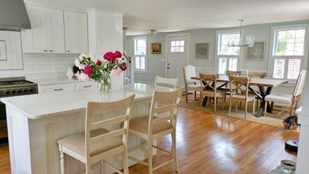 Centerville Centerville vacation rental - Kitchen and dining area