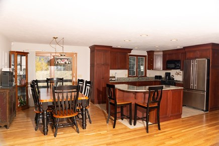 Dennis Cape Cod vacation rental - Dining and Kitchen