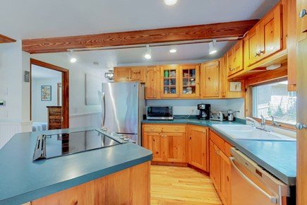Brewster Cape Cod vacation rental - Kitchen Island and New Appliances
